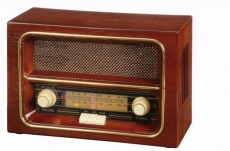 AM/FM radio RECEIVER, brown